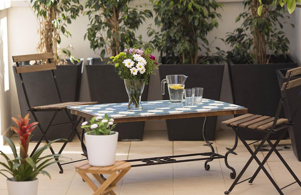 C mo hacer una mesa con azulejos para la terraza ceys - Azulejos de terraza ...