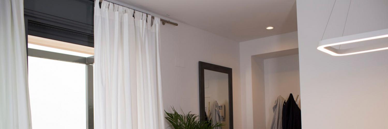 C mo reparar un agujero en pared provocado por la cortina - Agujero en la pared ...